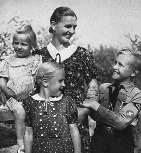 Ideální žena dle nacistické propagandy byla v domácnosti a starala se o děti