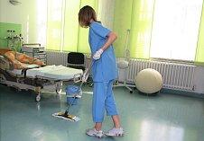 Úklid v nemocnici. Ilustrační foto.