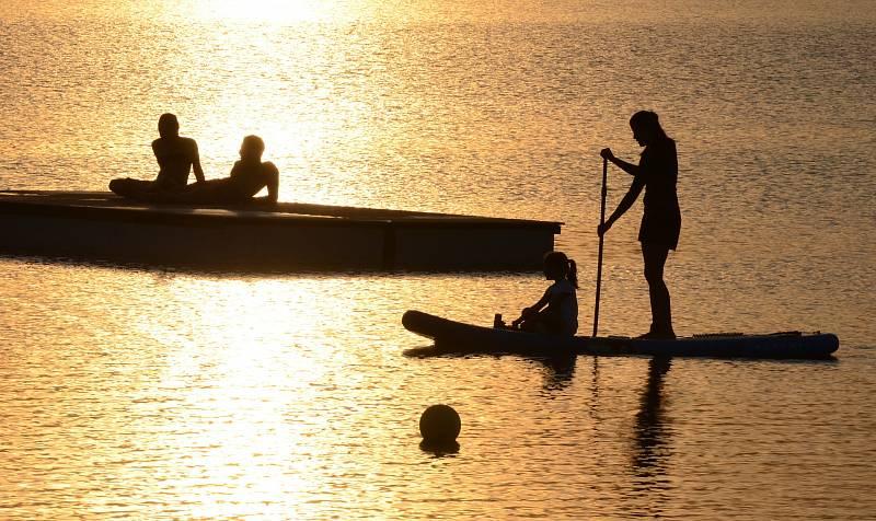 Na vodě lze strávit i romantické chvilky