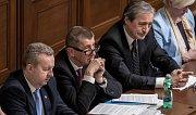 Jednání poslanecké sněmovny o důvěře vlády. Andrej Babiš. Zleva Richard Brabec, Andrej Babiš, Martin Stropnický.
