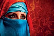 Postavení ženy v egyptské společnosti je velmi kontroverzní. Status je potřeba si obhajovat prakticky denně, a to bez ohledu na to, jste-li místní, nebo cizinka.