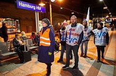 Železničáři po celém Německu stávkují.