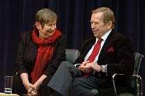 Spisovatelka a jedna z mluvčích disidentského hnutí Charta 77 Zdena Tominová a bývalý český prezident Václav Havel
