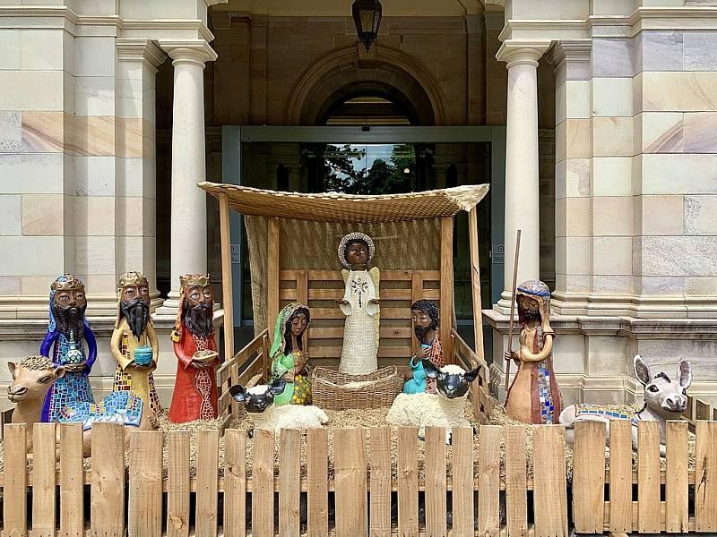 Jesličky u australského parlamentu v Brisbane o Vánocích 2019