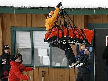 John Kucera v záchranářském vaku věděl, že jeho olympijský sen je v nedohlednu,
