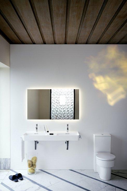 Koupelna by měla vytvářet rovněž příjemný pocit tepla a pohodlí.