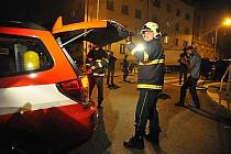 Policie a hasiči uzavřeli 28. září večer kvůli zvýšené radiaci okolí dětského hřiště v Sinkulově ulici v pražském Podolí.