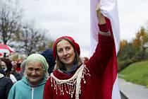 Běloruské ženy při pochodu proti výsledku prezidentských voleb v Minsku