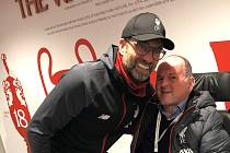 Trenér Liverpoolu Jürgen Klopp a fanoušek Sean Cox