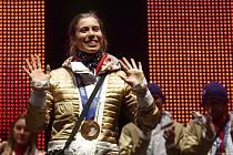 Zlatá snowboardcrossařka Eva Samková v olympijském parku na Letné.