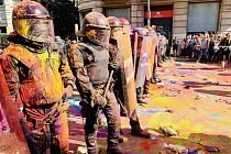 V Barceloně se střetli zastánci nezávislosti Katalánska s policií