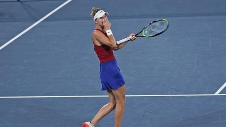 Česká hráčka Markéta Vondroušová se raduje z postupu do finále.
