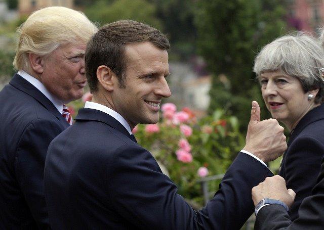 Donald Trump, Emmanuel Macron a Theresa Mayová na sicilském summitu G7.