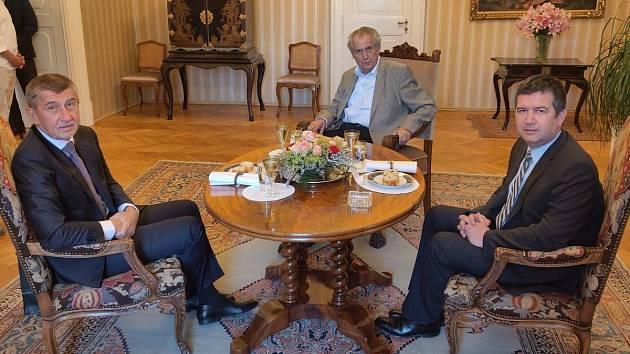 Jednání prezidenta Miloše Zemana s premiérem Andrejem Babišem a vicepremiérem Janem Hamáčkem v Lánech