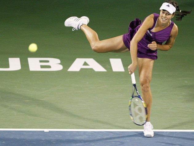 Srbka Ana Ivanovičová na turnaji v Dubaji.