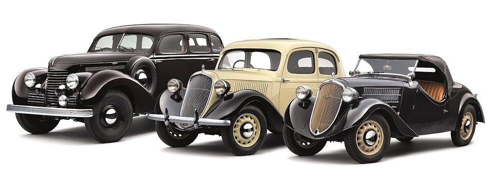 Vozy automobilky Škoda prodávané v roce 1936: Superb (vlevo) a dvě varianty Rapidu.