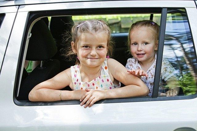 Rušivým momentem pro řidiče může být dítě vautě.