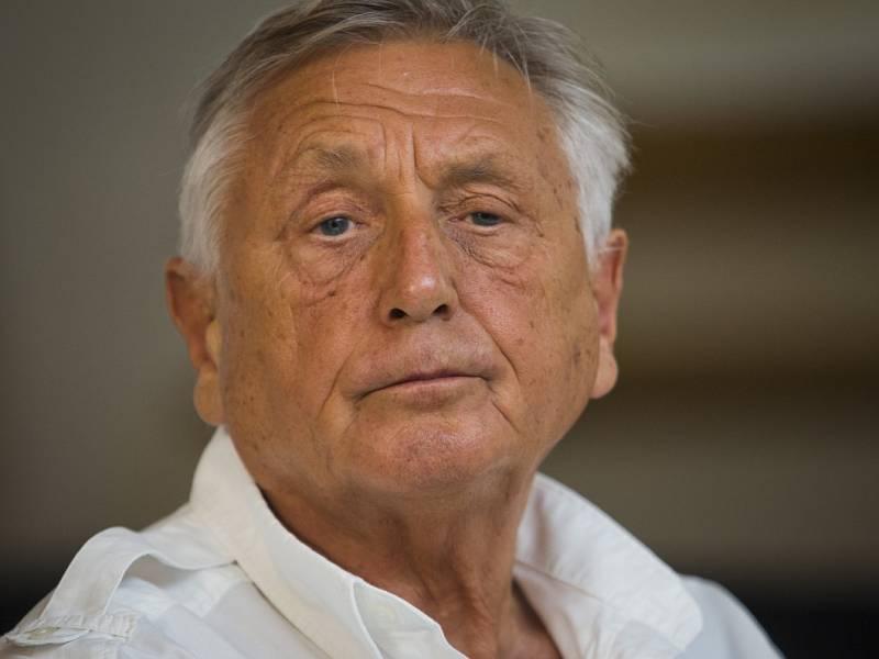 Jiří Menzel.
