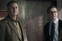 Anthony LaPaglia a Martin Freeman v Eichmann show.