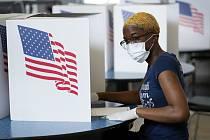 Žena u prezidentských primárek v Des Moines Iowě
