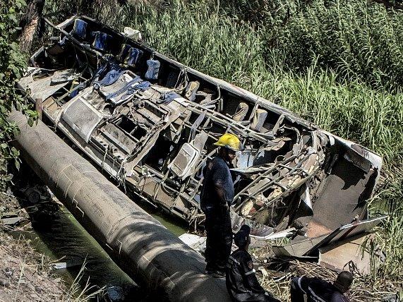 Při havárii autobusu ve Venezuele zemřelo jedenáct lidí, dalších 36 bylo zraněno.