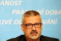 Předseda Českomoravského odborového svazu pracovníků školství František Dobšík