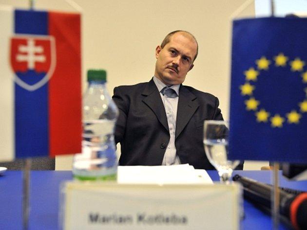 Vůdce slovenských extremistů Marian Kotleba se ujal funkce šéfa Banskobystrického kraje.