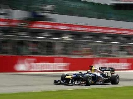 Mark Webber v monopostu Red Bullu.