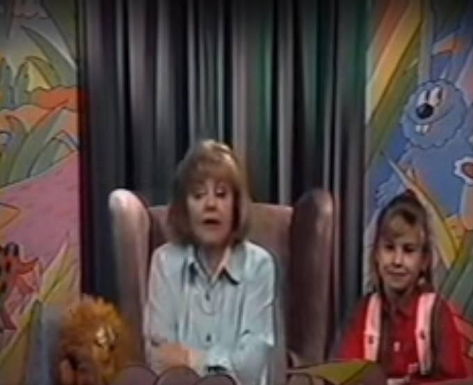 Později uváděla pořad pro děti Kuřátka.