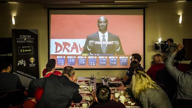 Kobe Bryant vylosoval České republice i Američany