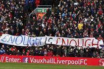 Zakázané transparenty? Fanouškům v Liverpoolu došla trpělivost a vzkazují, že si ceny vstupenek nenechají líbit