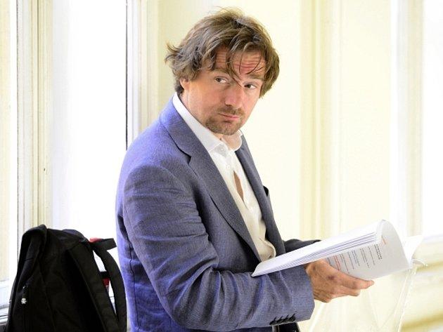 Novinář Janek Kroupa vypovídal jako svědek u Městského soudu v Praze, který 7. července projednával kauzu lobbisty Marka Dalíka.
