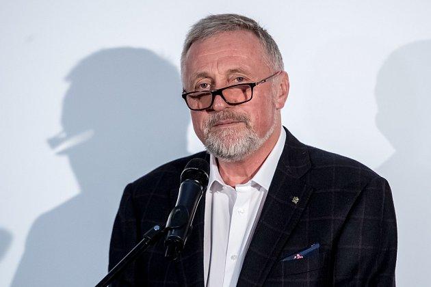 Mirek Topolánek oznámil 7.listopadu vPraze svoji kandidaturu na prezidenta republiky