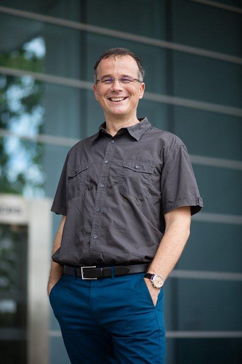 Martin Pumera je vedoucím excelentního Centra pro Pokročilé funkční nanoroboty na pražské VŠCHT