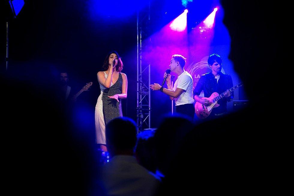 Slza a Celeste Buckingham na showcase vydavatelství Universal Music.