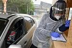 Tragédie v Nošovicích: Muž se zabil po pádu ze žebříku. Dělal revizi klimatizace