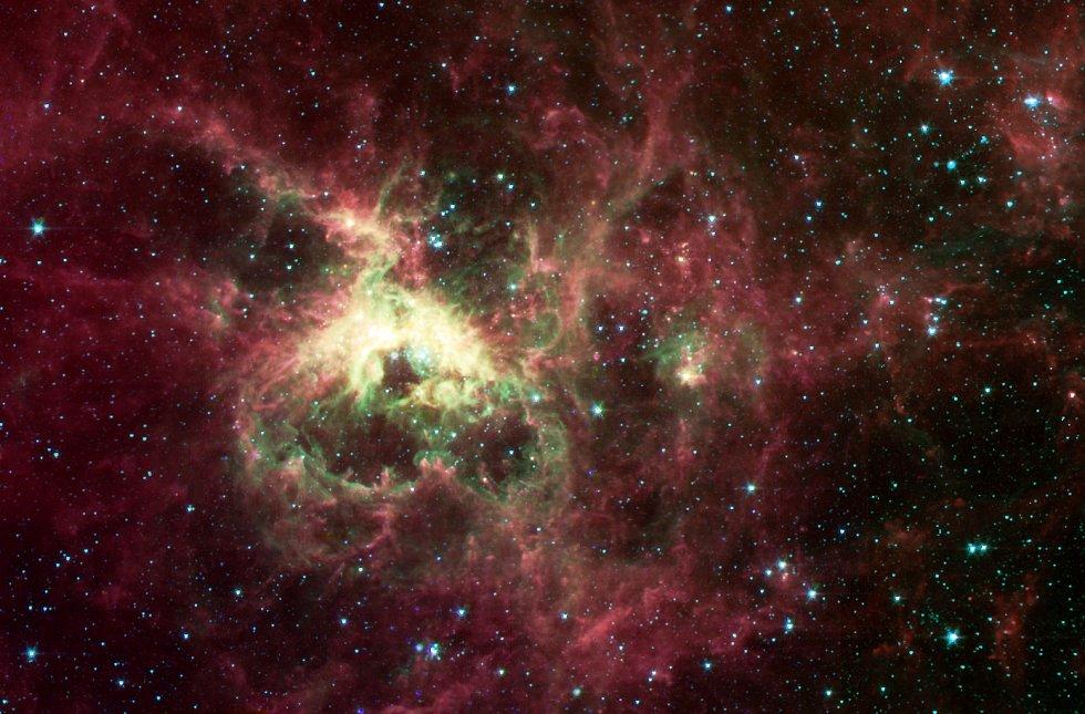Mlhovina Tarantule ve Velkém Magellanově oblaku.