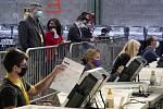Pororovatelé sledují sčítání hlasů z amerických  prezidentských voleb