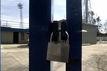 Zavřeno. Otevřou se fotbalové brány?