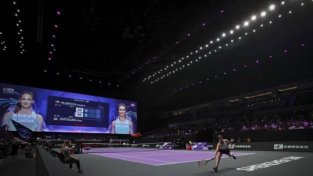 Ukrajinská tenistka Elina Svitolinová během utkání Turnaje mistryň s Karolínou Plíškovou z ČR v čínském Šen-čenu, 28. října 2019.