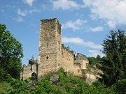 Zřícenina hradu Kaja patří mezi tradiční lákadla rakouského parku.