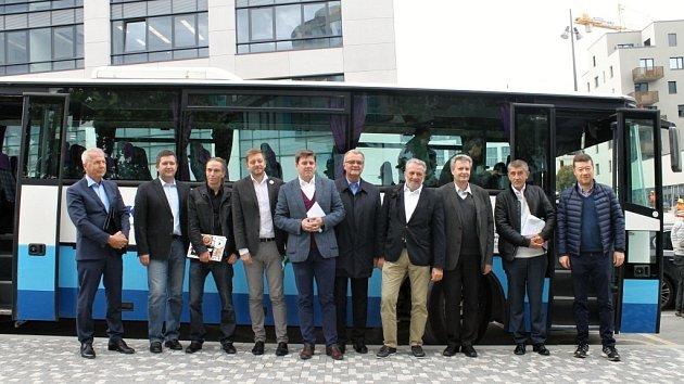 Předvolební debata Deníku: s politiky na cestě autobusem.