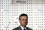 Jan Zahradil, lídr kandidátky ODS, 7. června sledoval výsledky evropských voleb v centru Prahy.