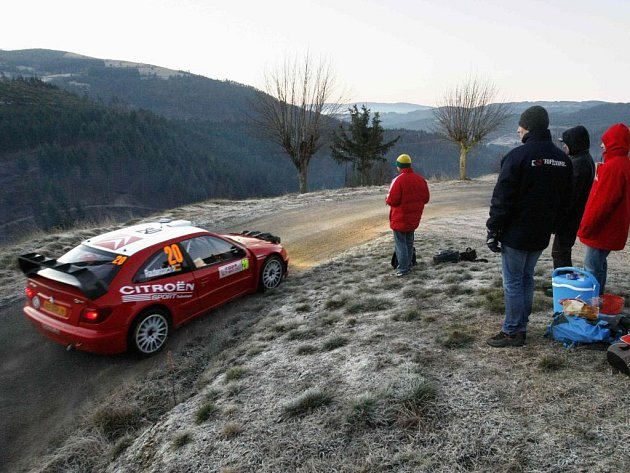 Conrad Rautenbach na trati Rallye Monte Carlo.