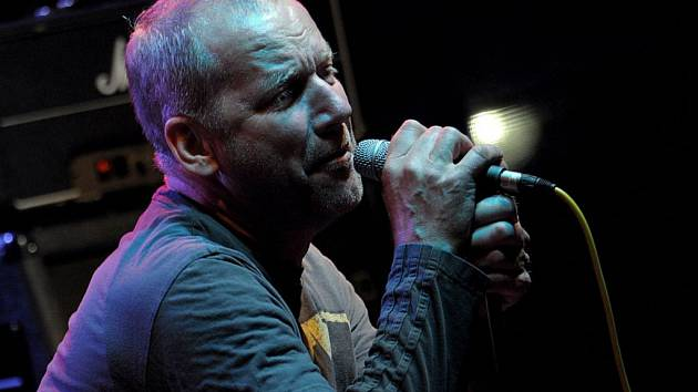 Zpívající bubeník David Koller