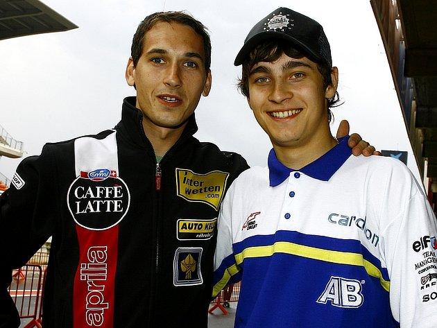 Dva čeští rivalové ve třídě do 250 ccm: Lukáš Pešek (vlevo) a Karel Abraham.