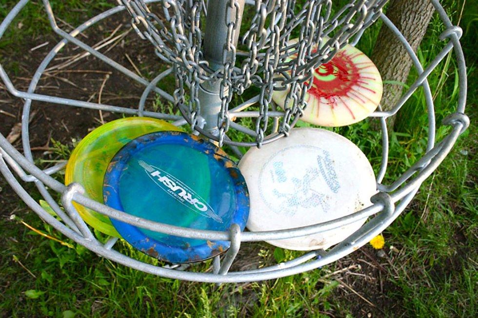 Fanoušci sportu zase ocení možnost zahrát si disc golf…