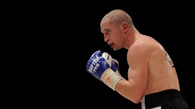 Boxer Lukáš Konečný obhájil titul mistra Evropy.