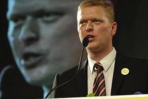 Neznámý třiatřicetiletý veterinář Pavel Bělobrádek se v sobotu stal na lidoveckém sjezdu ve Žďáru na Sázavou předsedou KDU-ČSL.
