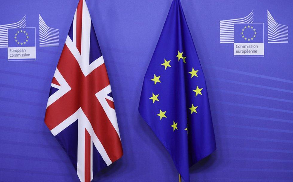 Vlajky Británie a EU